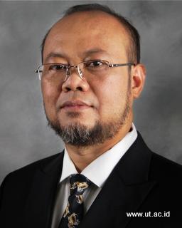 Rektor UT Ojat Darojat